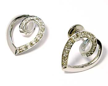d06675912fabc Brinco em ouro branco 18k feminino com brilhante - Coração Diamante ...