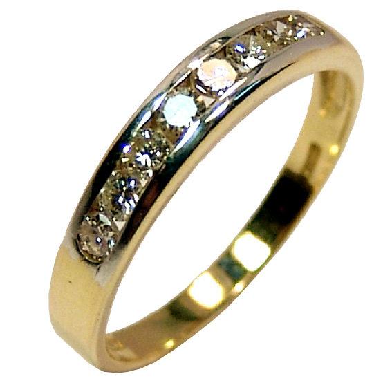 36c846f1a6a1b Meia aliança de brilhantes em ouro 18k Diamante na Lorenzo Jóias